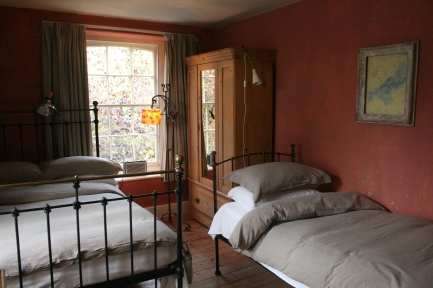 bedroom 1 beds