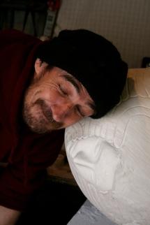 sculpture cuddling