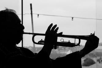 trumpet silhouette
