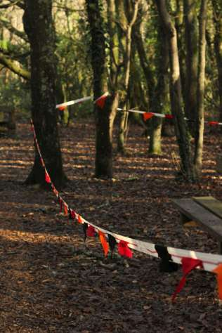 trees bunting 2 sm